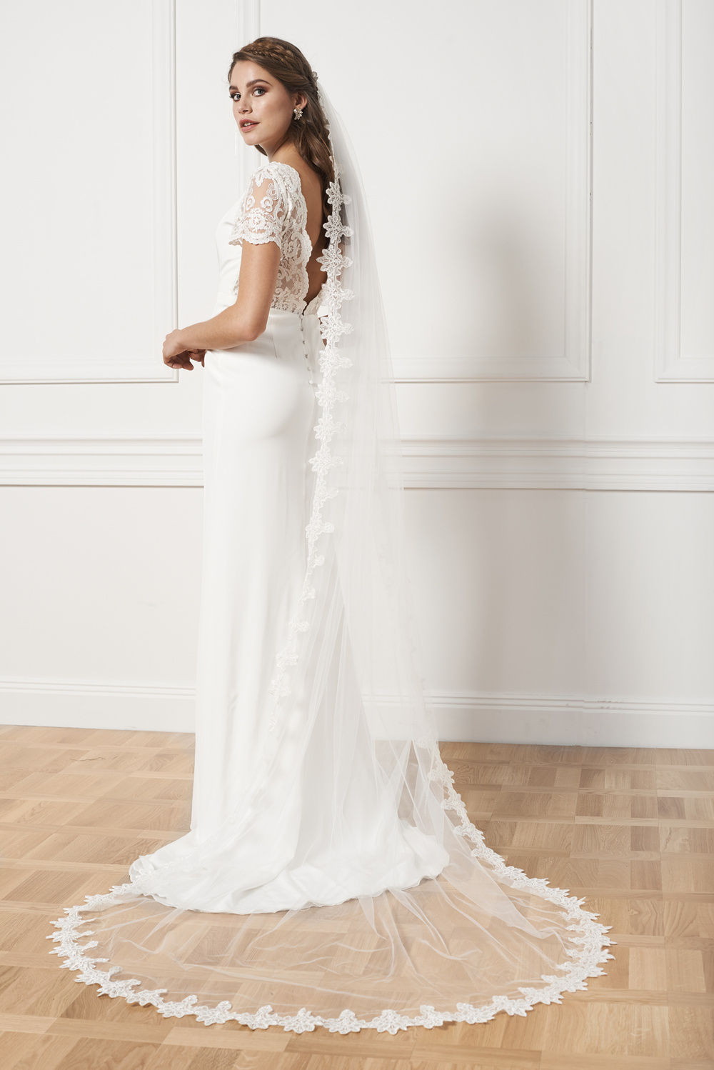 Statement cathedral veil
